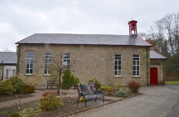Lugar Parish Church